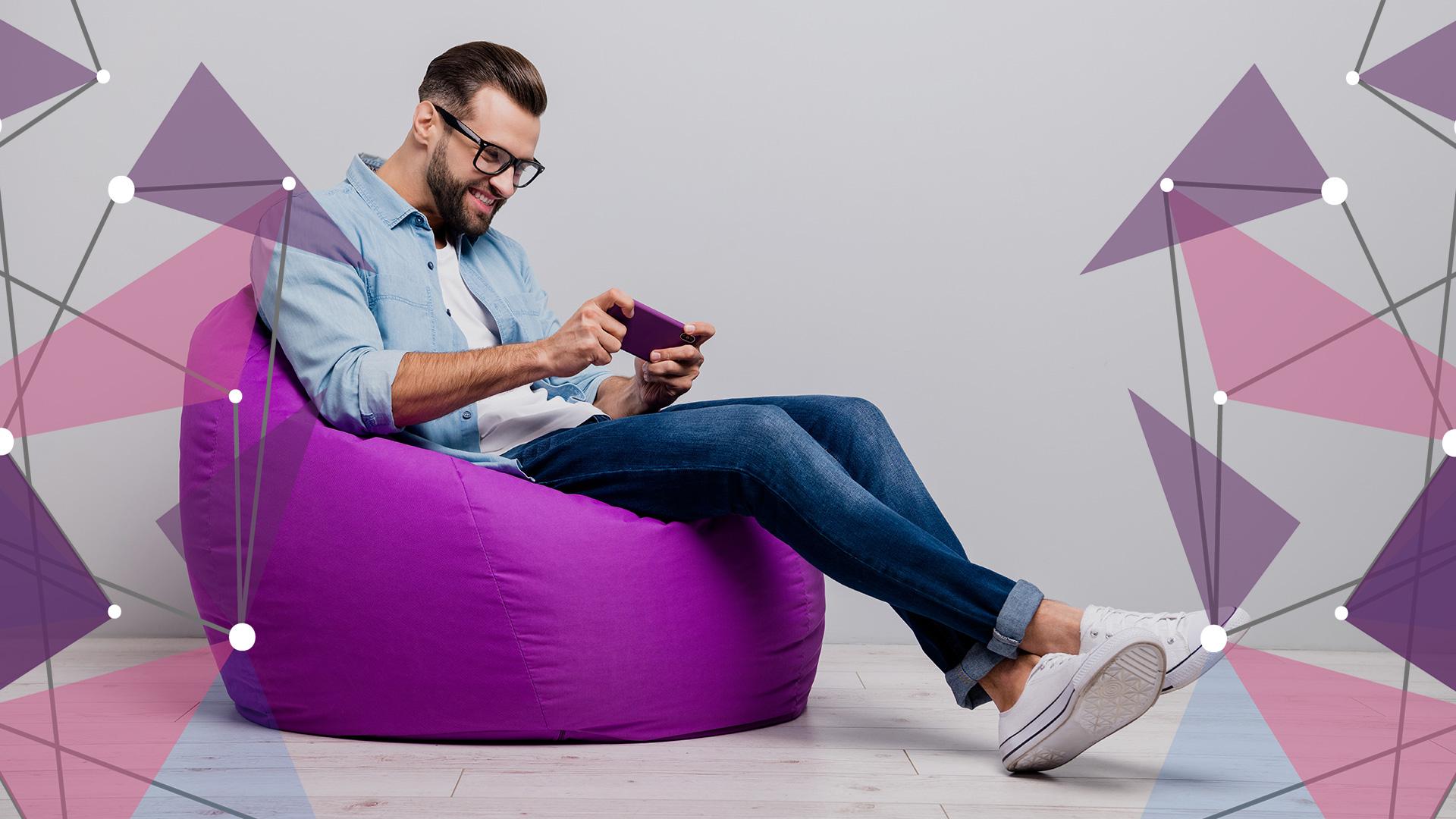 Gamer using mobile broadband for online gaming